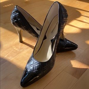 Adrienne Vittadini patent and quilted pumps 9.5